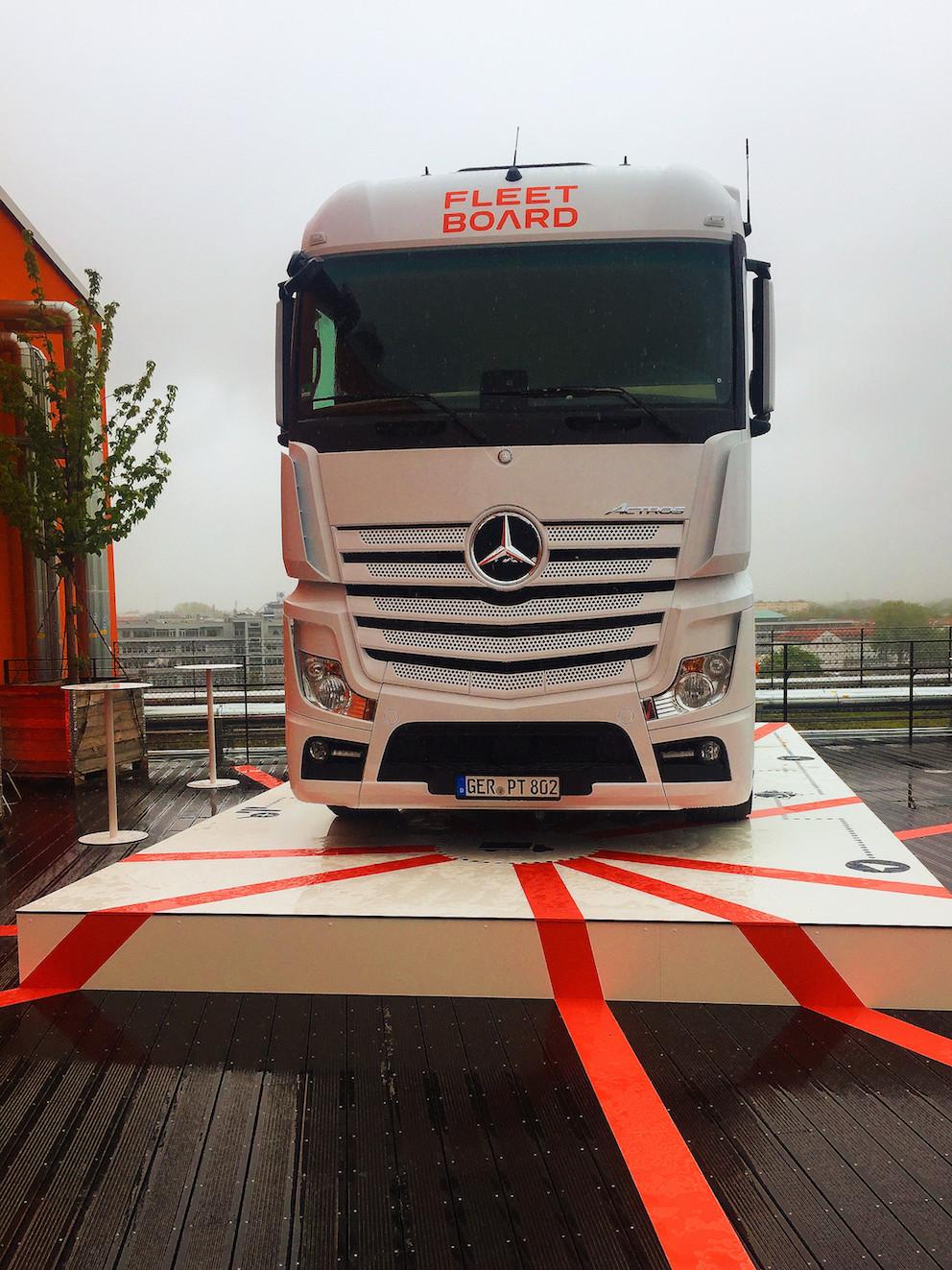 Daimler Fleetboard GmbH_Punktlandung Zugmaschine